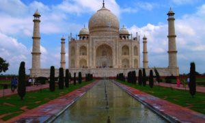 Tádž Mahal, pomník nesmrtelné lásky.