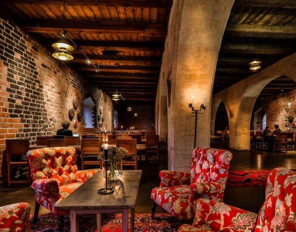 Romantika, legenda, dobré jedlo či rozprávkový wellness. Aj to sú najlepšie Európske historické hotely.