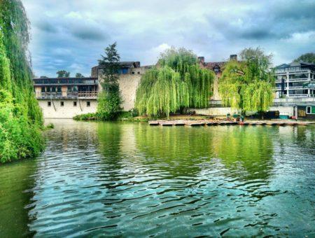 Cambridge: svieži anglický intelektuál